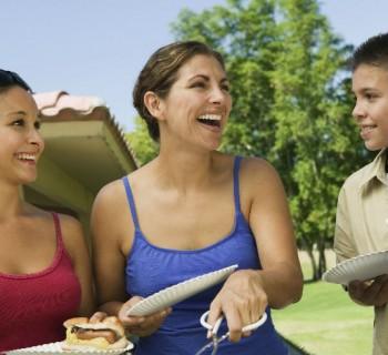 Cómo cuidar la alimentación de un adolescente