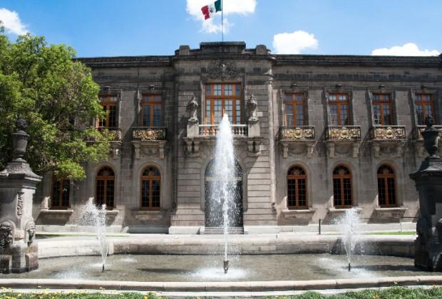 El Castillo de Chapultepec es el único Castillo Real de América, muchos turistas que vienen a visitar la capital mexicana no se pierden la oportunidad de conocerlo.