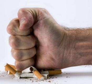 cigarro chica