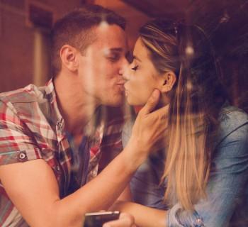 Los besos que enamoran a los hombres