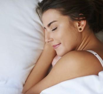Técnica de respiración para quedarte dormido en un minuto