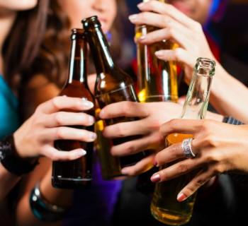 bebidas alcohólicas chica