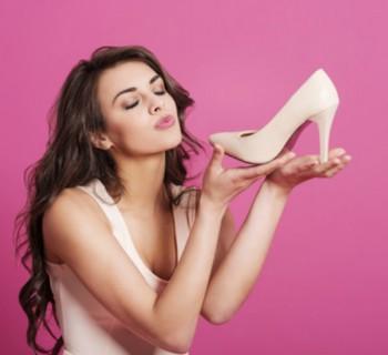 Trucos para amoldar los zapatos nuevos