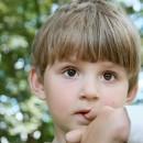 ¿Tu hijo se come las uñas? Podría padecer esto