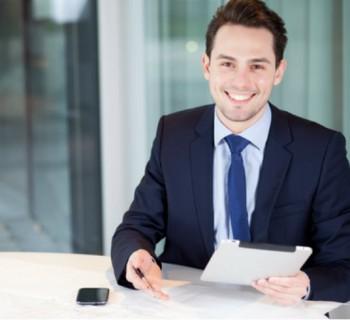 Consejos de vestimenta para hombres en la oficina