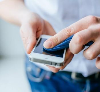 La forma correcta de limpiar tu Smartphone