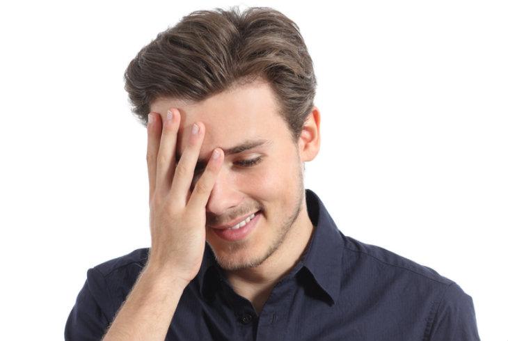8 síntomas de que a un hombre tímido le gustas