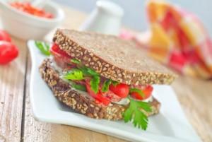 Cambia el pan blanco por el pan integral