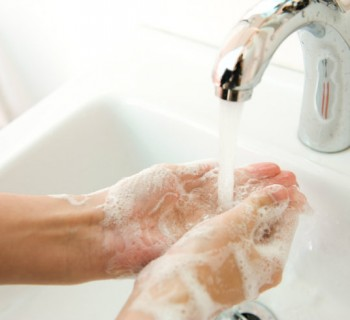 Lávate las manos al llegar a la oficina