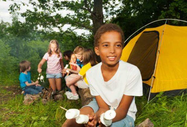 Mi hijo se quiere ir de campamento ¿cómo preparo su maleta?