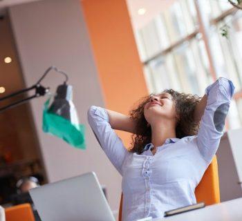 ¡Relájate! Checa estos ejercicios contra el estrés en la oficina