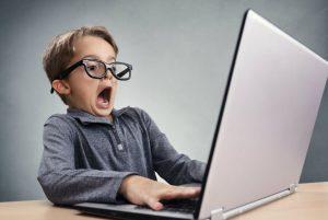 Descubrí a mi hijo viendo pornografía, ¡ayuda! ¿Qué debo hacer?