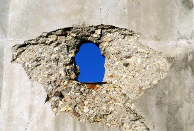 """Practica el dichoso """"glory hole"""" sin meterte en problemas legales"""