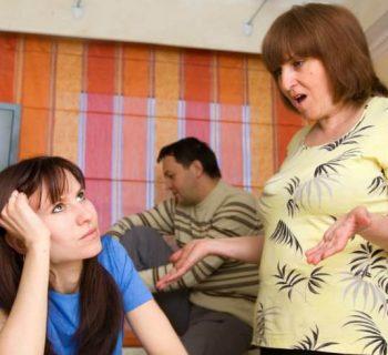Ideas para evitar que mi suegra ¡se siga metiendo en mi relación!