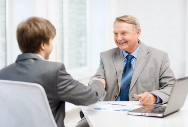 Cosas positivas que todo buen Godínez adopta al entrar a trabajar