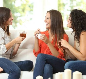 ¡Reúne a tus amigas! ¿Qué son y para qué sirven las Soft Parties?