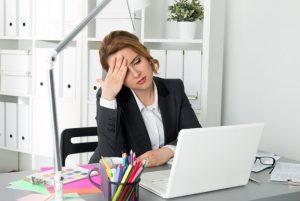 ¿Sientes mucho cansancio en la oficina? Checa cómo revertirlo