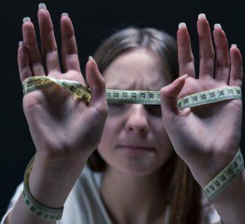 Anorexia: Experta nos dice cómo evitarla en tus hijos