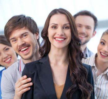 No dejes que la amistad perjudique el trabajo en equipoº