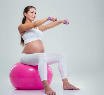 Ejercicios para que tu bebé se acomode antes del parto
