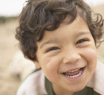 La importancia de hacer reír a tu hijo