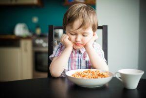 Qué hacer cuando tu niño no quiere comer