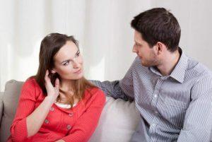 Cómo saber si tu pareja te miente observando su mirada