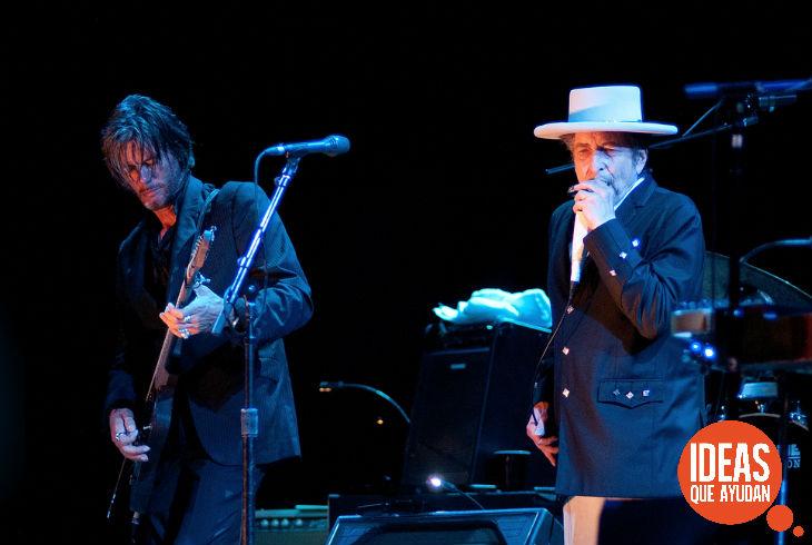 """Dylan obtuvo el galardón """"por haber creado una nueva expresión poética en la tradición musical Americana"""""""