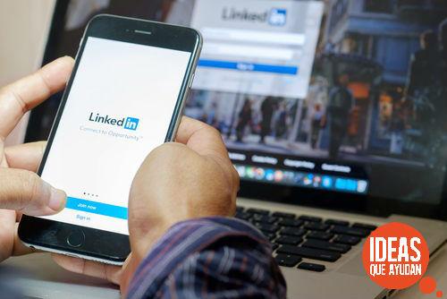 Linkedin es la red social especializada en el ámbito empresarial