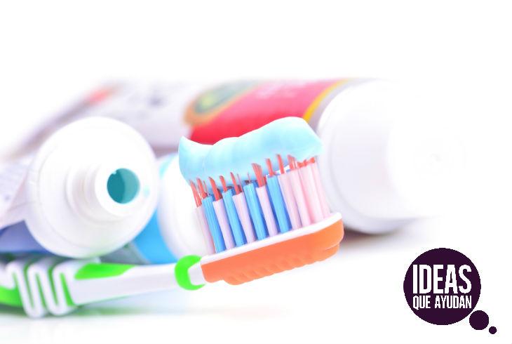 ¡Ya no gastes! Prepara tu propia pasta dental