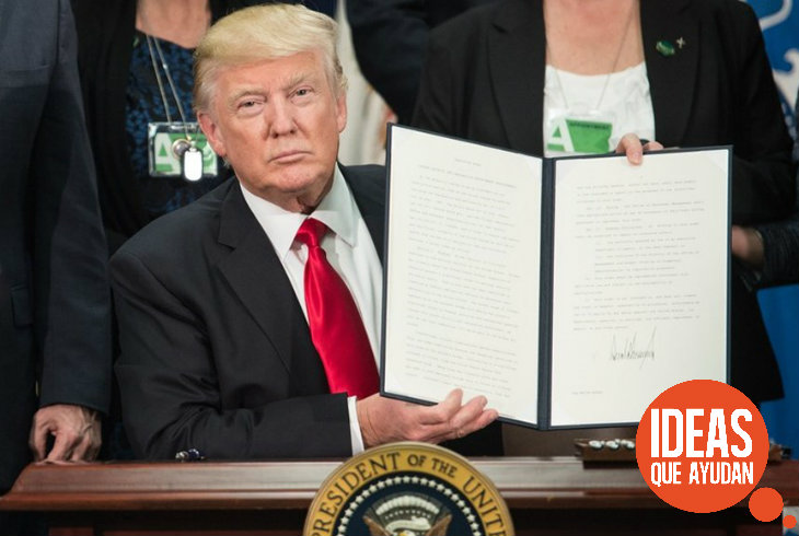 trump firma muro